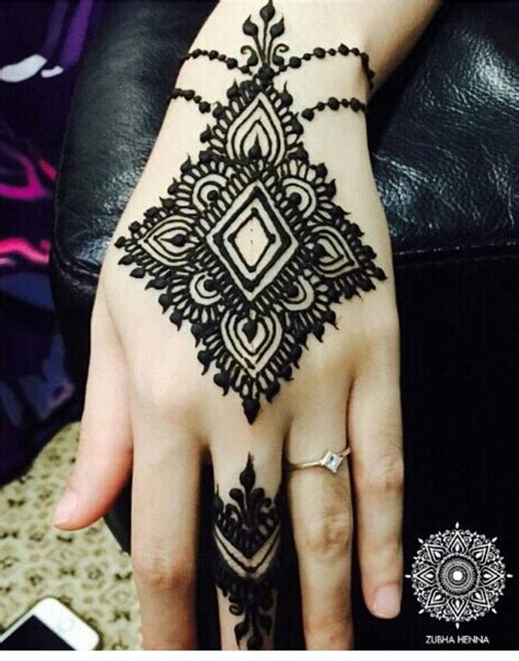 simple henna tattoo wrist 107 best images about henna on henna leaves