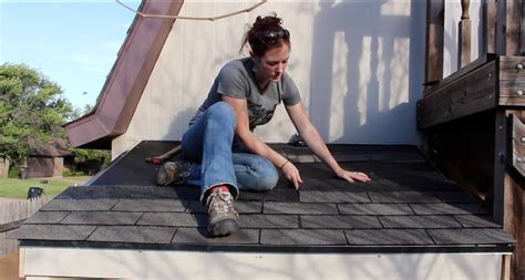 building  lean  installing  shingle roof  double