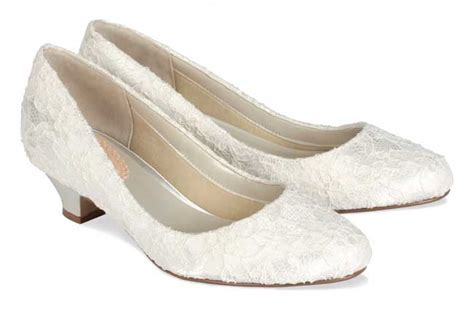 comfortable shoes wedding how to choose comfortable wedding shoes loveweddingplan com