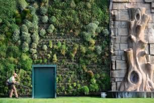 Large Vertical Garden - vertical gardens
