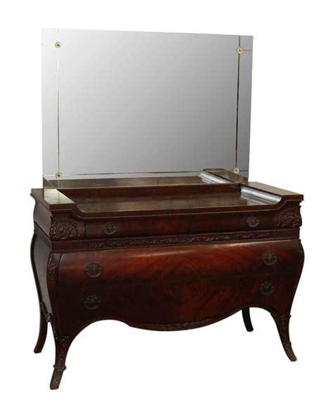 Maple Bedroom Vanity by Maple Vanity With Mirror Olde Things