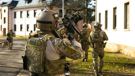 us special forces in cutting edge u s marine army special forces prepare for