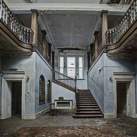 Beautiful Abandoned Places by Best 25 Abandoned Mansions Ideas On Pinterest Old