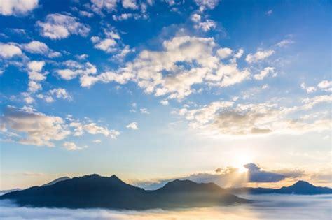 Imagenes Increibles Del Cielo | cielo incre 237 ble con el sol brillando descargar fotos gratis
