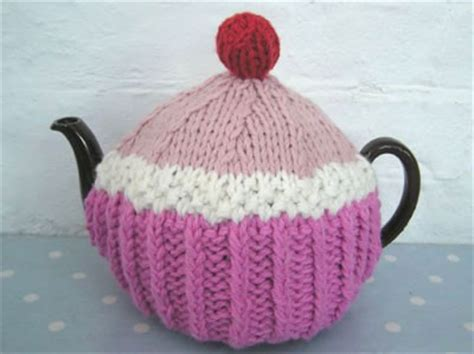laughing hens knitting patterns laughing hens cup cake tea cosy pattern laughing hens