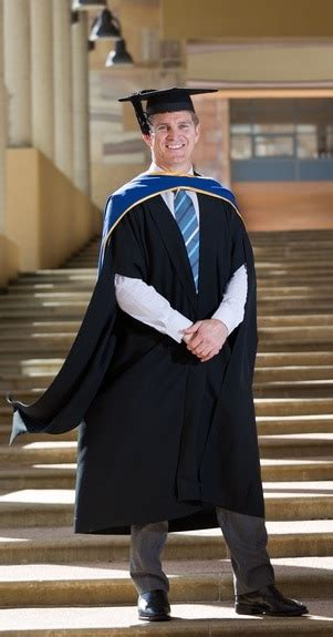Macquarie Graduate School Of Management Mba Fees by Ex Rugby Player Tim Horan About To Graduate From Bond