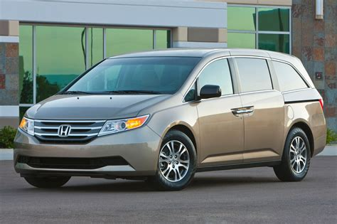 van honda used 2014 honda odyssey minivan pricing for sale edmunds