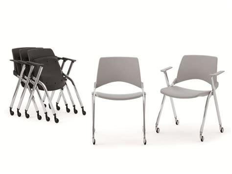 sedie pieghevoli plastica sedia pieghevole in plastica con braccioli kend 210 plastic