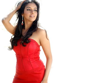 actress name of ghajini movie asin in ghajini hindi movie 4220611 1024x768 all for