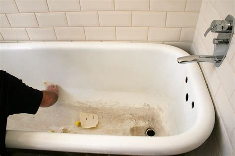 cleaning a bathtub with bleach bathroom wondrous cleaning porcelain bathtub stains 104