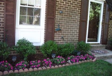 Small Front Yard Landscaping Ideas Townhouse by Best 10 Townhouse Landscaping Ideas Landscaping Ideas