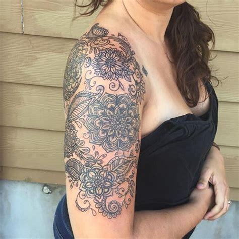 mandala tattoo upper arm mandala upper arm tattoo mandala flower with paisley