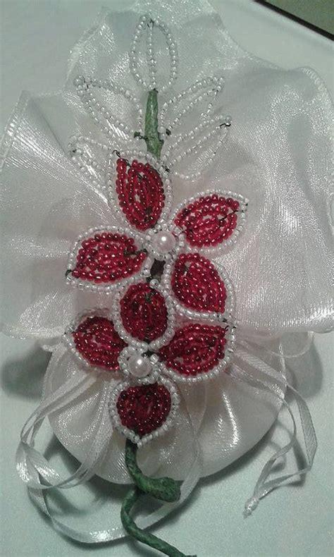 fiori di perline schemi oltre 25 idee originali per fiori di perline su
