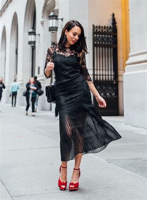 I Wear Dress Shoes by What Shoes To Wear With A Lace Dress 2019 Fashiontrendwalk