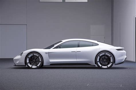 porsche mission e sketch porsche mission e electric saloon revealed at frankfurt