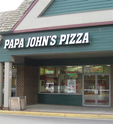 phone number for papa johns papa s pizza pizza 525 e market st leesburg va united states restaurant reviews