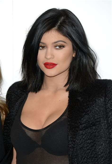 bob haircuts kylie jenner stars prefer short hairstyles for summer fall 2015