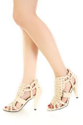 Found Ports Chic Cut Out Pumps by Pin By Swarthout Nguyen On Shoes Heaven