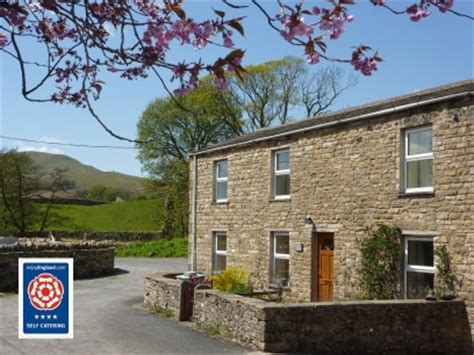 hill view friendly cottage hawes dales