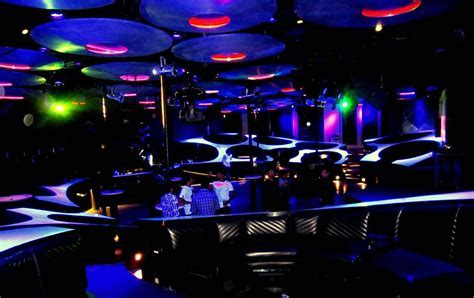 Top 10 Places to Celebrate Marriage Anniversary in Delhi