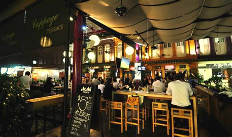 cheap bars in singapore where to drink on a