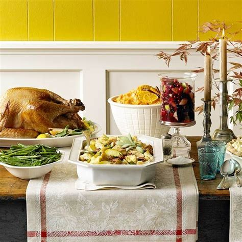 beautiful thanksgiving centerpiece ideas for your table display runners thanksgiving and wood