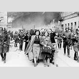 Jewish Ghettos During The Holocaust | 472 x 326 gif 51kB