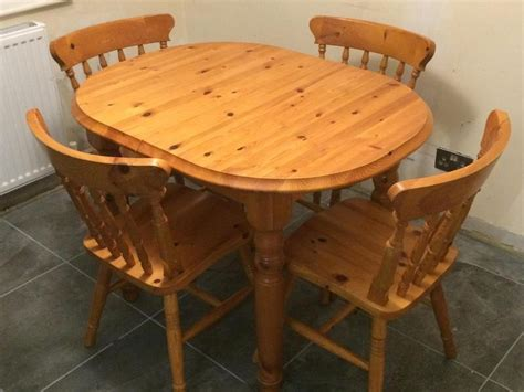 solid pine extendable dining table and 4 chairs ryde