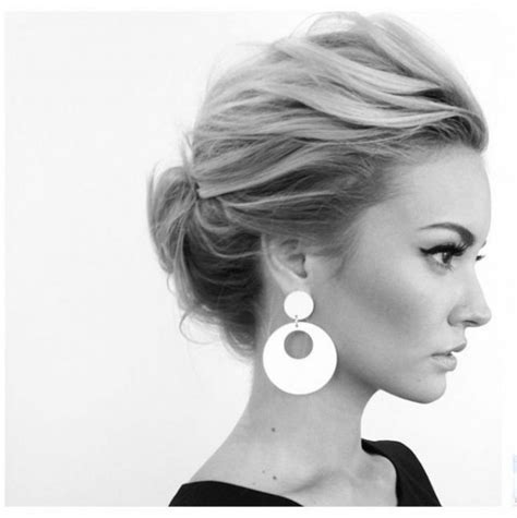 Casual Updo Hairstyles by 1000 Ideas About Medium Hair Updo On Styles