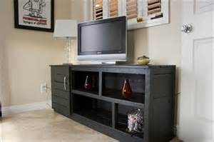 Extra Large Dog Sofa Pallet Tv Stand A Delight To Watch Pallet Furniture Plans