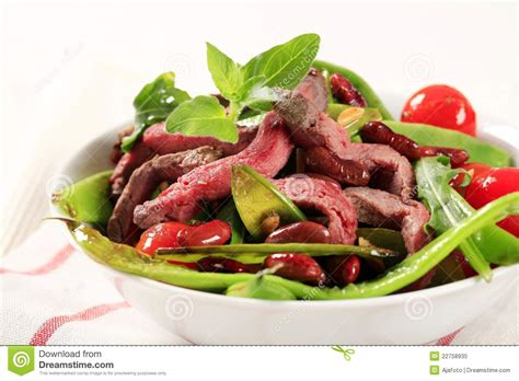 Nstrip Vegethablerovs vegetable salad with strips of beef royalty free stock photo image 22758935