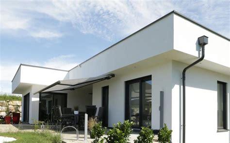 haus hanglage modern fertighaus modern flachdach hanglage emphit