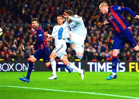 barcelona bleacher report barcelona vs real madrid live score highlights from