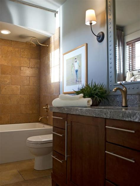 HGTV Dream Home 2012 Guest Bathroom   Pictures and Video