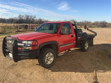bale bed trucks for sale 2004 1 2 chevy 2500 duramax w besler bale bed nex tech