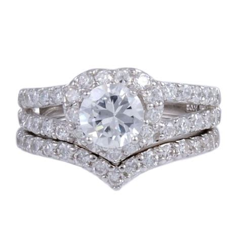 engagement rings that look real