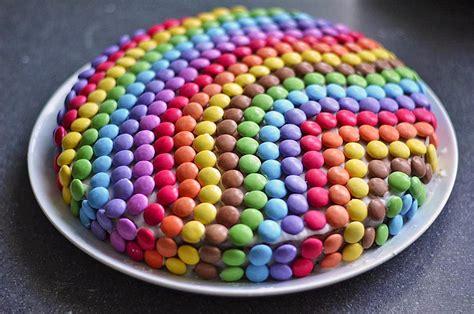 kindergeburtstag kuchen rezept mit bild smarties kuchen rezept mit bild letta22 chefkoch de