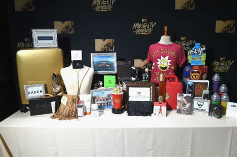 Whats In The Mtv Awards Goodie Bags what s in the mtv tv award gift bag promo marketing