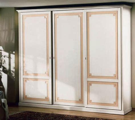 immagini armadi armadio di lusso in legno decorato per da letto