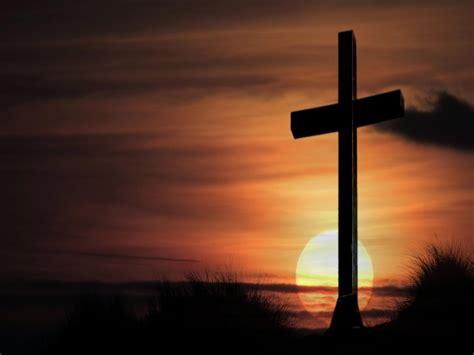 Salib Yesus Kristus majalah pearl pohon ara dan salib kristus
