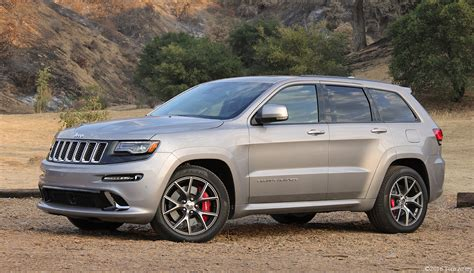 srt jeep 2016 girlsdrivefasttoo 2016 jeep grand srt review