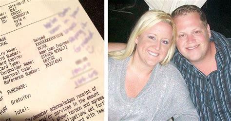 Offizieller Brief Zu Händen Ein Paar Erlebt Einen Schrecklichen Service Im Restaurant Die Nachricht Die Sie Dann