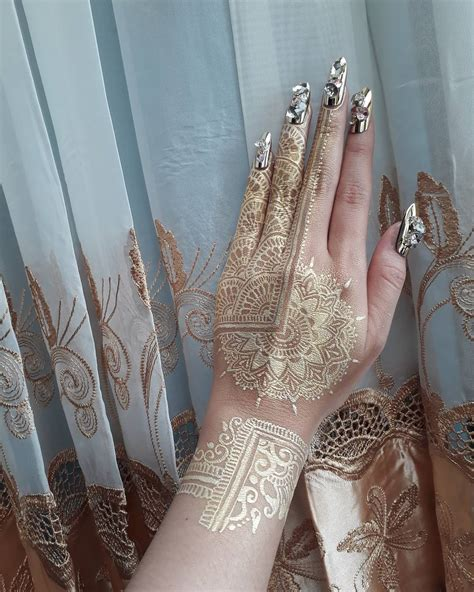 henna tattoos gold coast 40 fashionable gold henna tattoos for temporary style