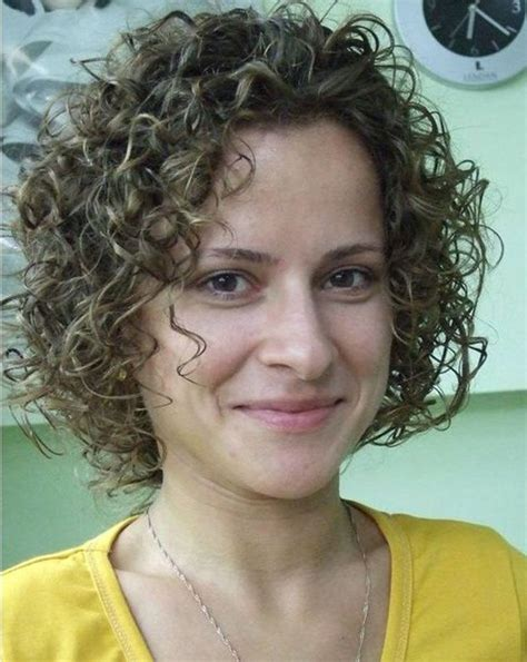 women tight perm hair 25 best ideas about short permed hair on pinterest