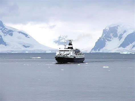boat trip to antarctica shivers down your spine melting ice caps welcome tourists