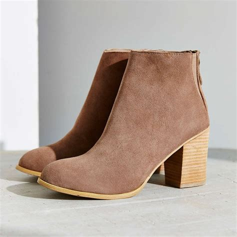 rank style ecote suede boot
