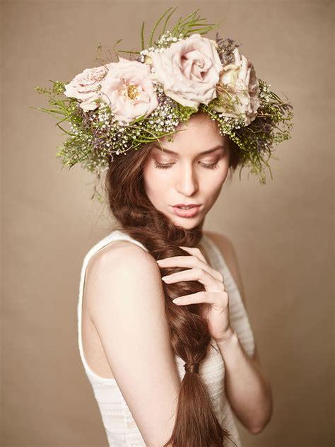 Hochzeitsfrisur Geflochten Blumen by Hippie Brautfrisur Brautfrisuren