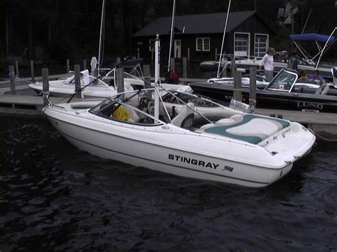 stingray boats good or bad wakeboarder stingray 180 rs has tower how s the wake