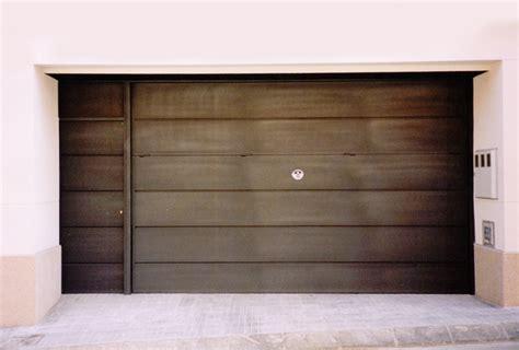 puerta basculante garaje puerta de garaje basculante great puerta de garaje