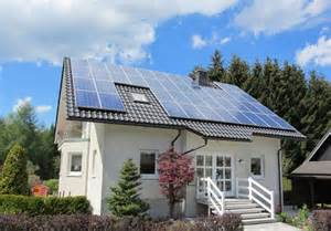 how many solar panels do i need for my house calculating